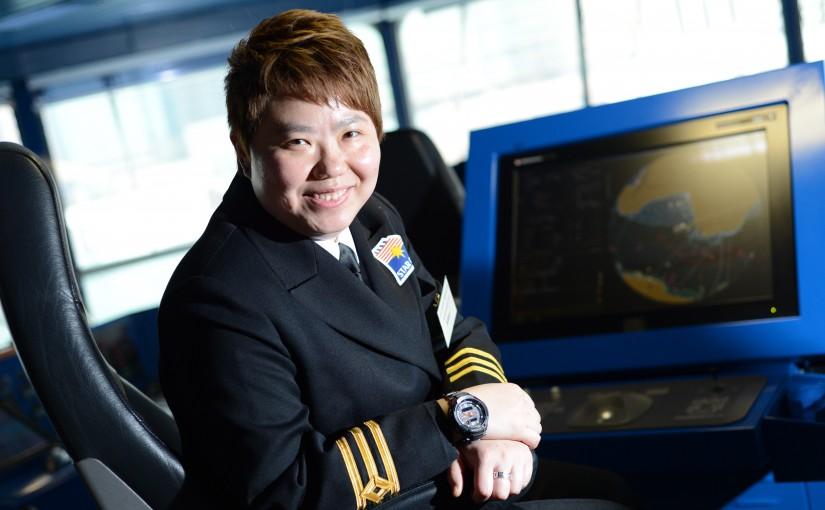 港首名女性獲遠洋船長資格 愛環遊世界海盜怪浪無阻