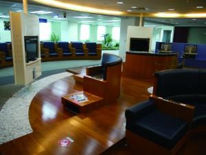 受訪港生均表示,台灣的大學學習氣氛濃厚。圖為南臺科技大學圖書館。
