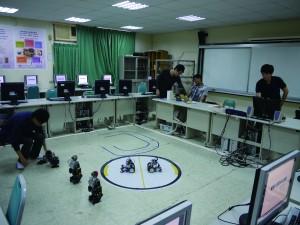 不少香港學生在台灣攻讀資訊科技,圖為南臺科技大學電腦實驗室。