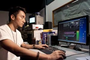 多媒體工作包括拍攝及後期製作技術,涉及不少知識,非一般民間記者 可取代。