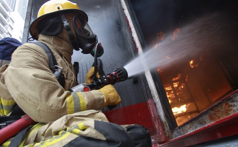 消防員入行過關斬將 救災與防火並重