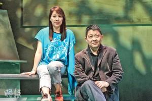 新域劇團創辦人蔡錫昌(右)及《青春修煉日記》執行導演黃劍冰(左)曾問小演員,最想幫助哪一類有需要人士,他們的答案相當多元化,包括少數族裔、殘疾人士、情緒病患等。