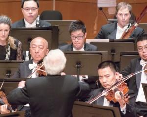 在香港管弦樂團當中,有不同國籍的樂師,阿峰說與這些從五湖四海而來的團員相處,最重要是包容及了解不同國家有不同的文化。