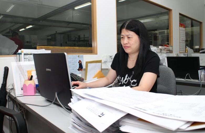 印刷功臣:跟單文員 客戶及廠方的橋樑