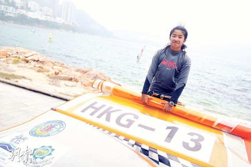 從培訓隊晉升港隊2個月,阿Wing(圖)拋開「世青冠軍」頭銜從頭學起,教練鄭國輝盼徒弟加強肌力與體能,把握時間在5月力爭青奧代表資格。(鄭嘉慧攝)