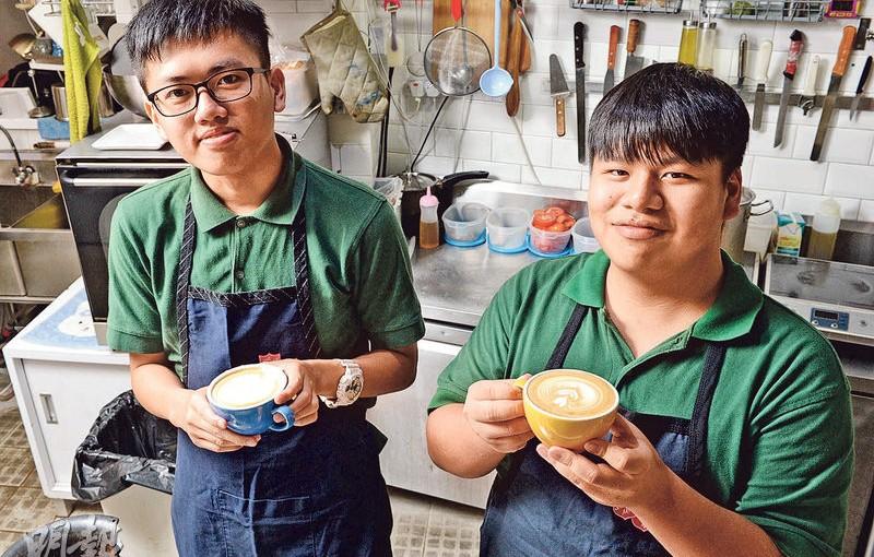 經營咖啡閣 重建自信 愛上學習 SEN青年拉花中成長
