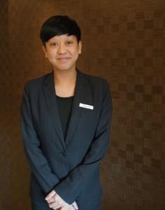 Stephenie認為自己性格隨和開朗,因此選擇了常常與人接觸的酒店行業,發展自己的事業。