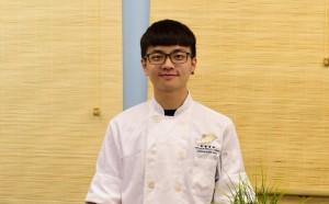 雖然在餐廳當學徒可以快速累積經驗,但熱愛下廚的Bryan明白擁有學位會對將來更有保障,因此選擇到澳門修讀廚藝課程。