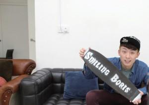 全職YouTuber李煒樂(笑波子)每天的工作是拍攝影片及進行後期 製作,並上載網絡與觀眾分享。