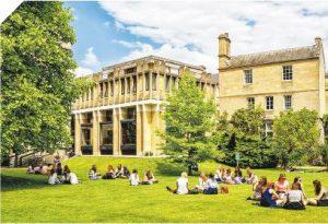 英國留學——英國學生要先後通過GCSE和A Level兩關,才可考進大學,有指A Level程度較香港DSE深。(Arsty@iStockphoto)